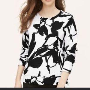 4/$20 Loft// black & white sweatshirt, size S